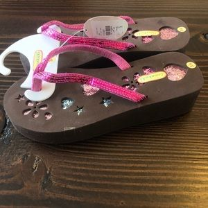 NWT Girls Platform Foam Flip Flop Sequin Sandals